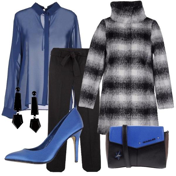 Outfit Scacco al blu cobalto