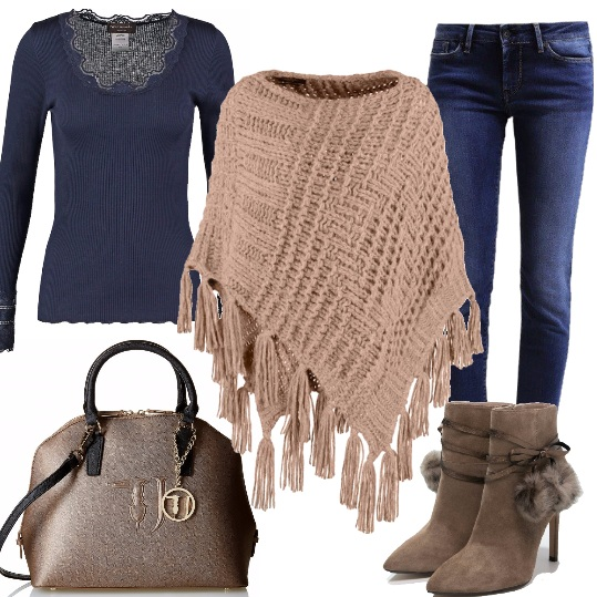 Outfit Glamour in jeans e mantella