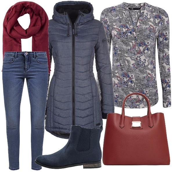 Outfit Blu e bordeaux per il quotidiano