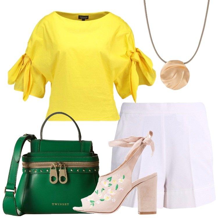Outfit Il sandalo in fantasia floreale