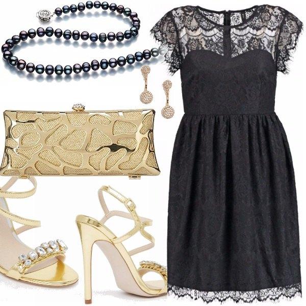 Outfit Pizzo nero per curvy