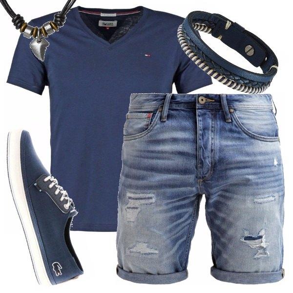 Outfit Praticità con dei jeans shorts