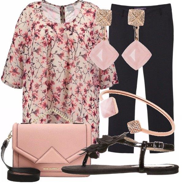 Outfit Rosa fiori
