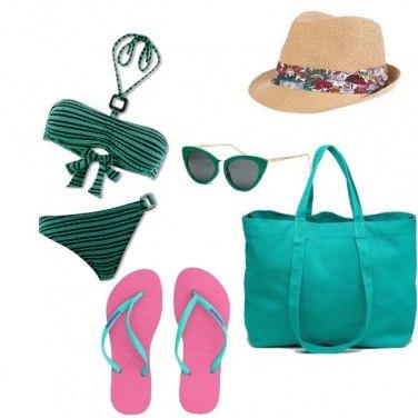 Outfit L\'essenziale in spiaggia