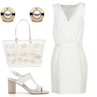 Outfit White and gold