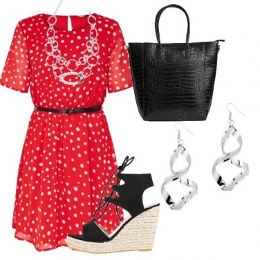 Outfit Il vestito rosso e bianco