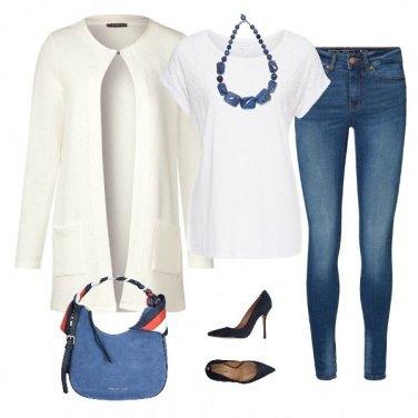 Outfit Elegante in jeans e maglietta