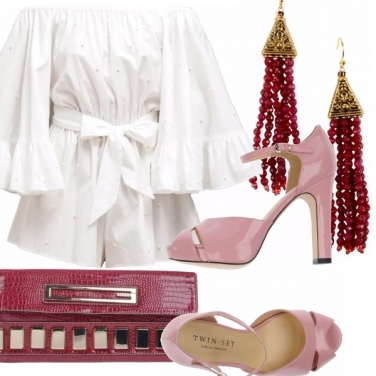 Outfit Romper bianca e tacco rosa