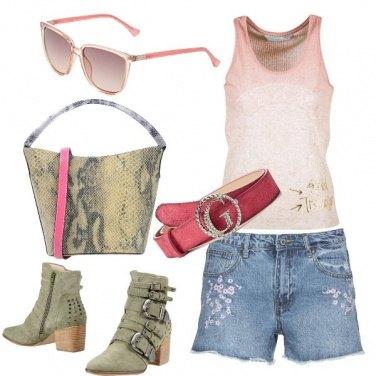 Outfit Shorts e stivaletti