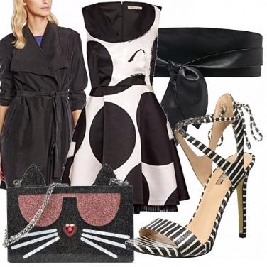 Outfit Un black and white molto atipico