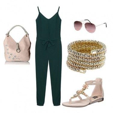 Outfit Sandalo gioiello, comodo ed elegane