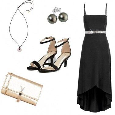 Outfit Chic, semplice con dettagli preziosi