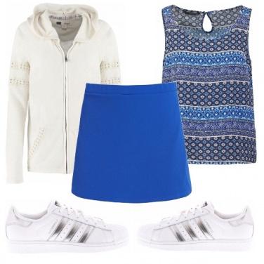 Outfit In sneakers da mattina fino a sera