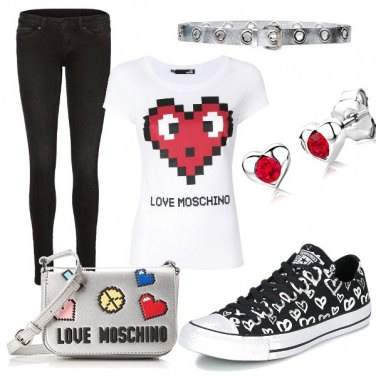 Outfit LOVE t-shirt e sneaker