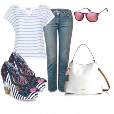 Outfit Righe blu e bianche