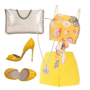 Outfit CMPS il colore del sole