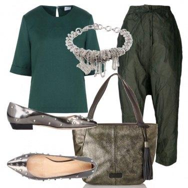 Outfit Verde e borchie
