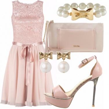 Outfit Rosa e perle