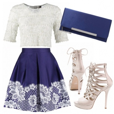 Outfit Crop top in chiave romantica