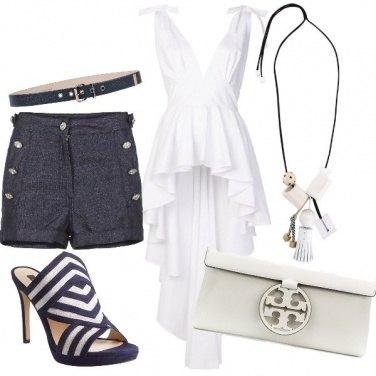 Outfit Bianco e blu, non sbaglia mai