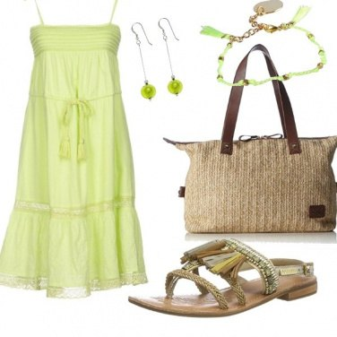 Outfit Passepartout in verde mela...