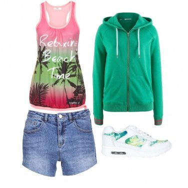 Outfit Passeggiata green al parco con amiche