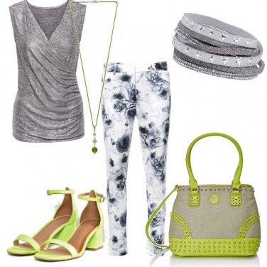 Outfit Verde acido su argento