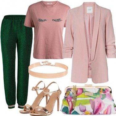 Outfit Pantaloni glitter e blazer