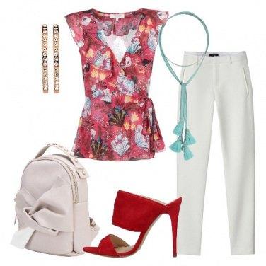 Outfit Lo zainetto con nodo e perle