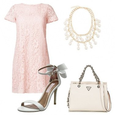Outfit Classe in rosa e bianco