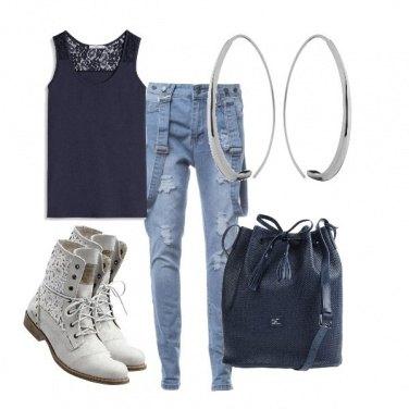 Outfit Bretelle e Ricamo
