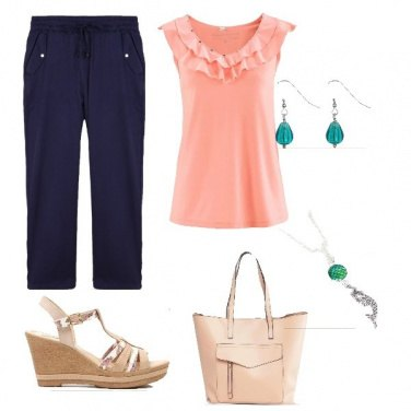 Outfit Outfit donna con accessori verdi