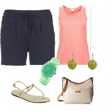 Outfit Outfit con accessori verdi