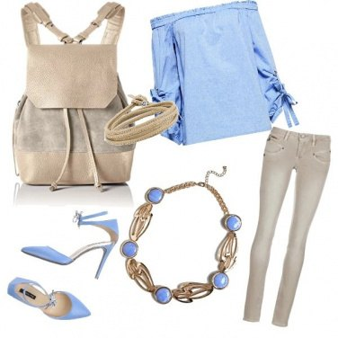 Outfit Light blue in the city