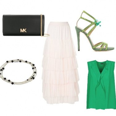 Outfit Woman in green