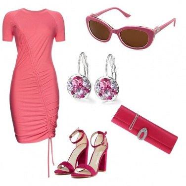 Outfit All\'insegna del rosa fucsia
