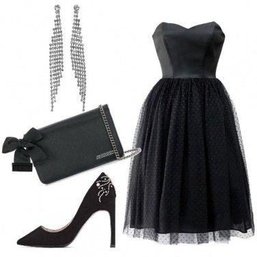 Outfit Vestito nero a campana per Carrie