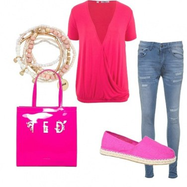 Outfit Pink e jeans