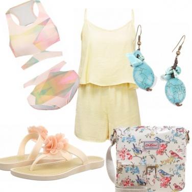 Outfit Colori pastello per la spiaggia