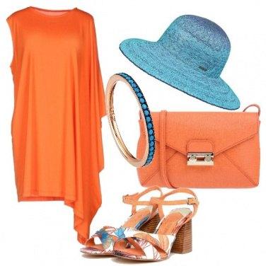 Outfit Arancio e azzurro