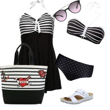 Outfit Al mare con righe e pois