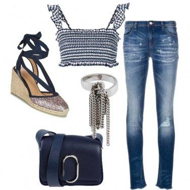 Outfit Top blu in fantasia