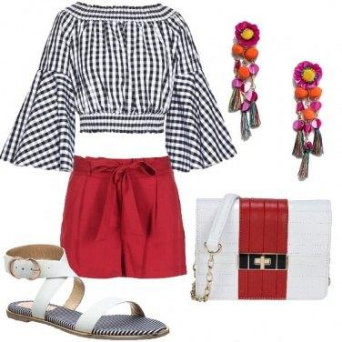Outfit Top a quadretti e orecchini multicolor