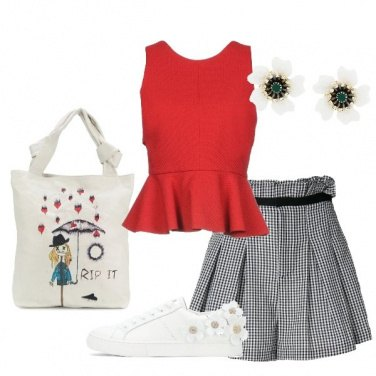 Outfit Shorts vicky e blusa rossa
