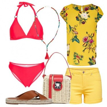 Outfit In spiaggia coloratissima