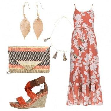 Outfit Il vestito arancio in fantasia floreale