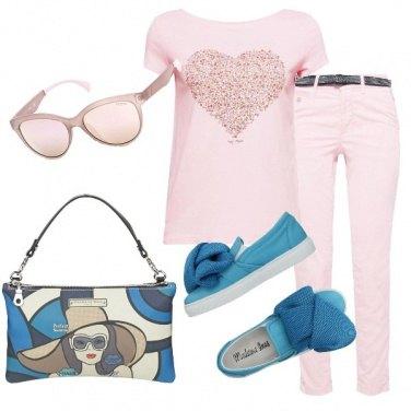 Outfit Rosa e tocchi di azzurro