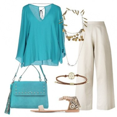 Outfit Turchese e sabbia