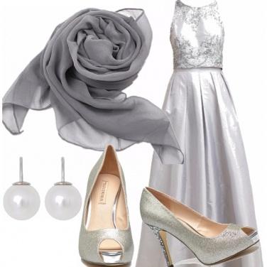 Outfit Matrimonio 1/3 la sposa in grigio