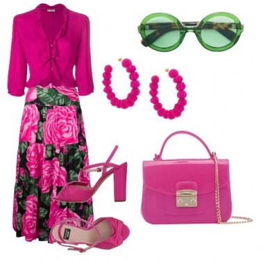 Outfit Le rose sulla gonna